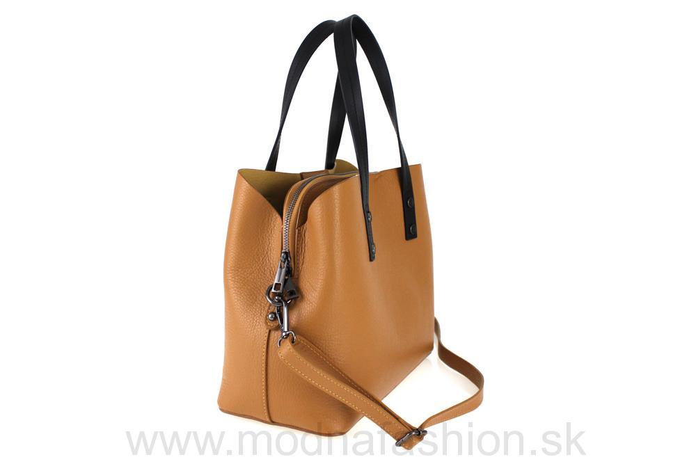 6f5ff9c2ba Kompletné špecifikácie · Na stiahnutie · Súvisiaci tovar. Talianska kožená  kabelka. MADE IN ITALY.