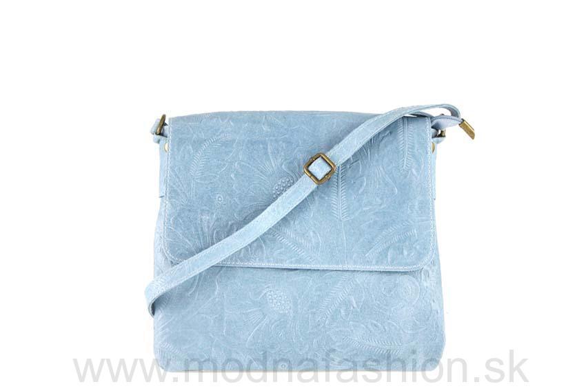 Kožená kabelka na rameno nebesky modrá 9a70a4c4b2b